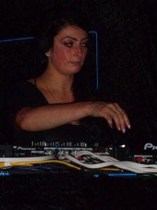 DJ Rebecca Vasmant aka